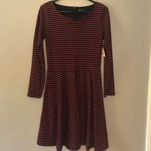 Gap long-sleeved boat red and black dress